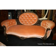 Fine Victorian Walnut Chaise Longue c.1840