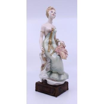 Albany Art Nouveau Series Figurine Les Belles Plumes