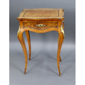Elegant Antique French Poudreuse c.1860