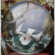 Creil et Montereau Painted Seagull Charger c.1880