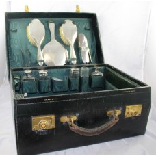 Fine Early 20th c. Walker & Hall Cased Silver Travelling Vanity Case