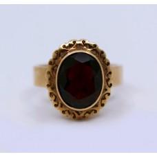 Garnet 14ct Yellow Gold Ring