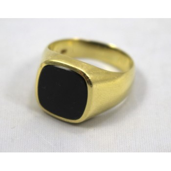 18ct Yellow Gold Signet Ring Set with Onyx