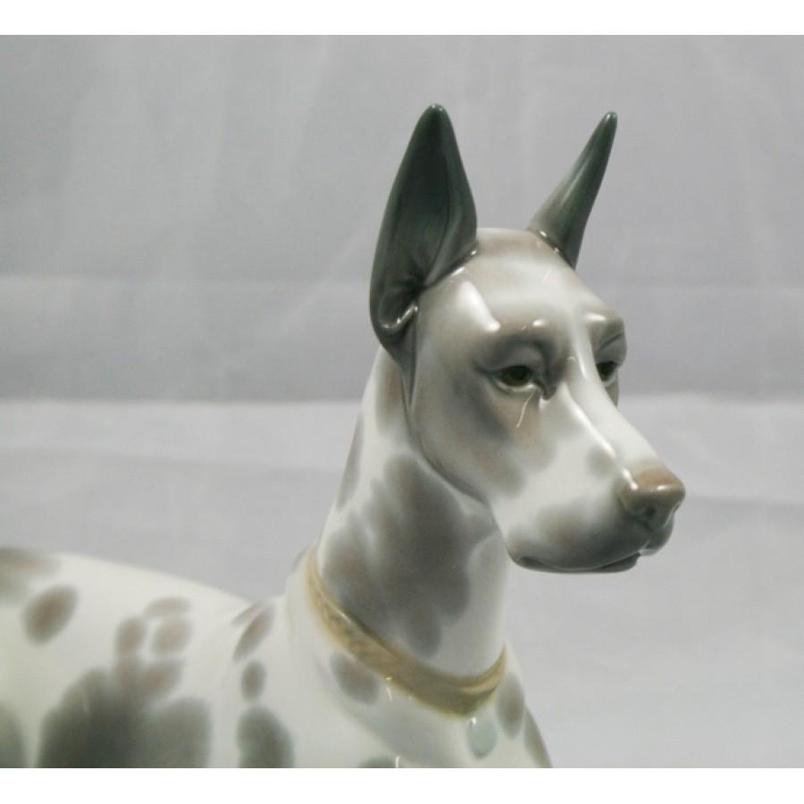 """Lladro Dog """"Great Dane"""" Sitting #1068"""