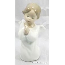"Lladro Figurine ""Angel Praying"" #4538"