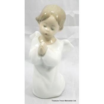 "Lladro Figurine ""Angel Praying"" #4538"