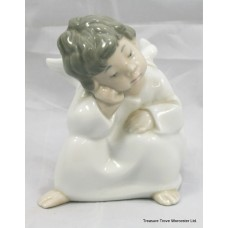 "Lladro Figurine ""Angel Thinking"" #4539"