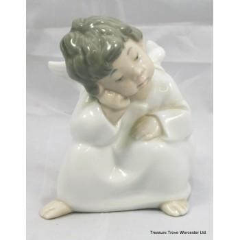 "Lladro Figurine ""Angel Thinking"" #4539"