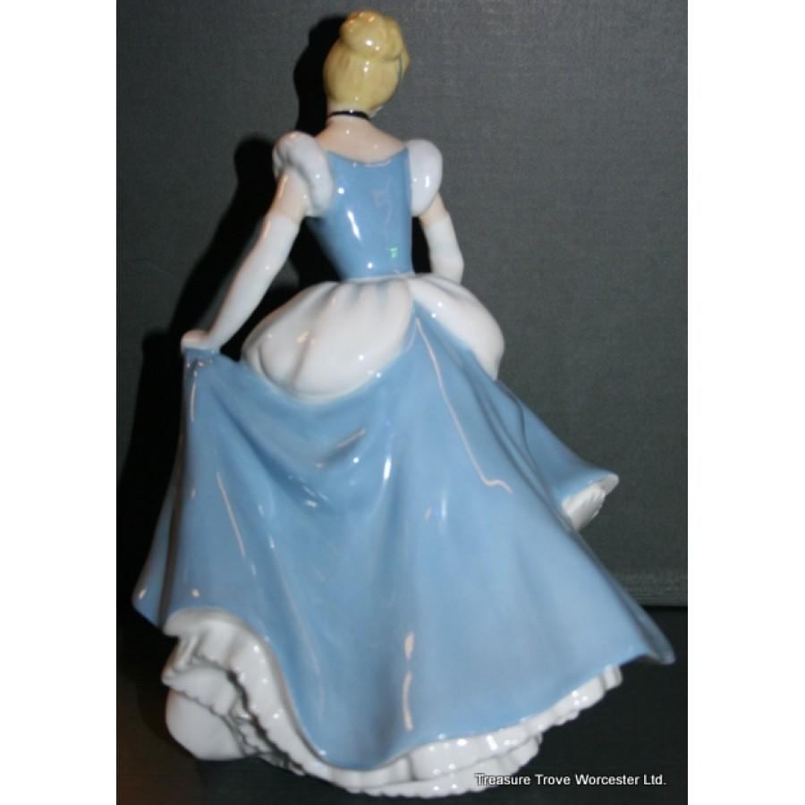 Royal Doulton Disney Princess Figurine Cinderella Hn 3677