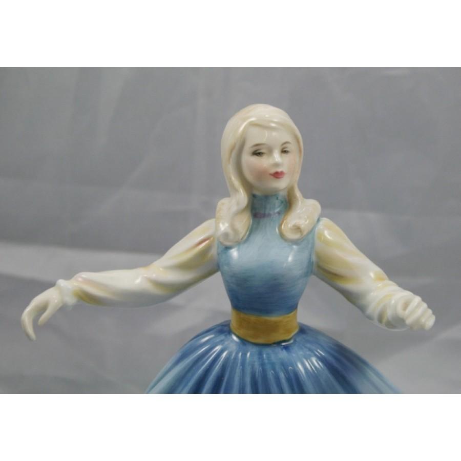 Royal Doulton Figurine Jennifer Hn 2392