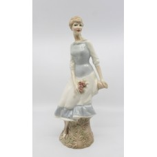 Royal Doulton Reflections Figurine Rose Arbour HN 3145