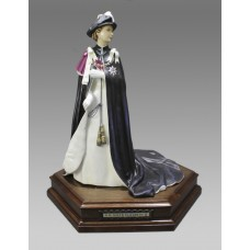 Royal Worcester Elizabeth II by Ronald van Ruyckevelt