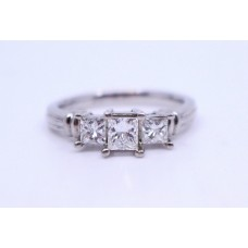 Three Stone 0.98 Carat Diamond Platinum Ring