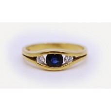 Three Stone Sapphire & Diamond 18ct Gold Ring