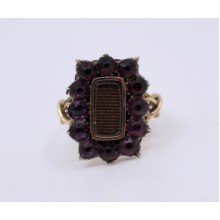 Victorian Mourning Ring with 12 Glass Stones