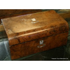 Victorian Walnut Mother of Pearl Inlaid Writing Box